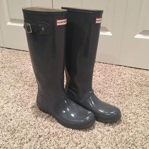 EUC - Hunter Original Tall Boot Glossy - Gray